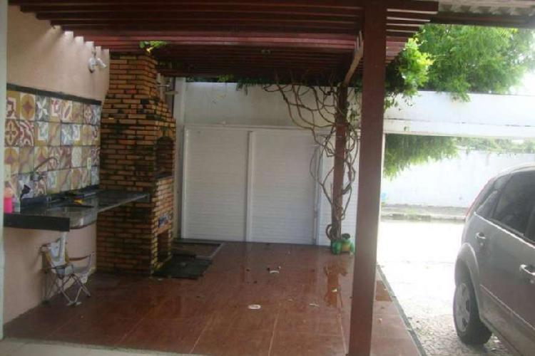 Casa fantástica edson queiroz completa com ar e armarios