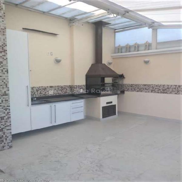 Cobertura com 3 dormitórios, 2 vagas e terraço gourmet no