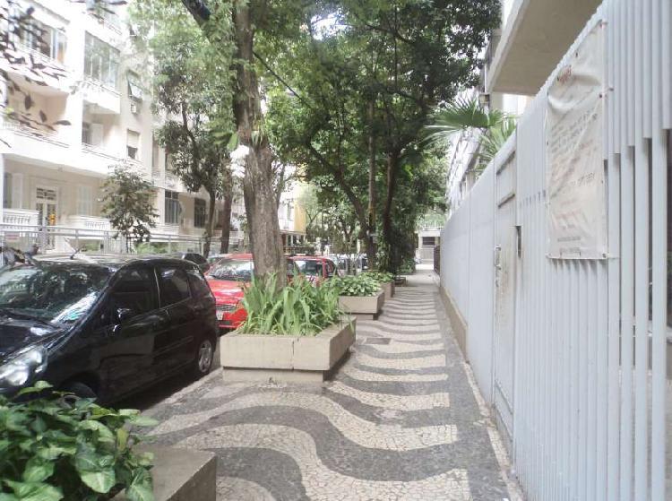Flamengo apartamento de 3 quartos em rua privilegiada