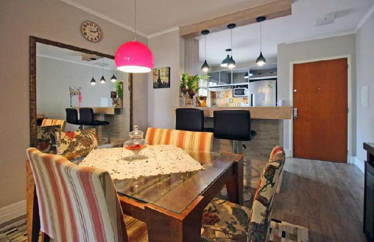 Mobiliado e decorado por arquiteto, 2 quartos com garagem,
