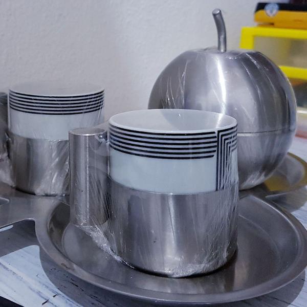 Conjunto de 2 xícaras café porcelana e suporte