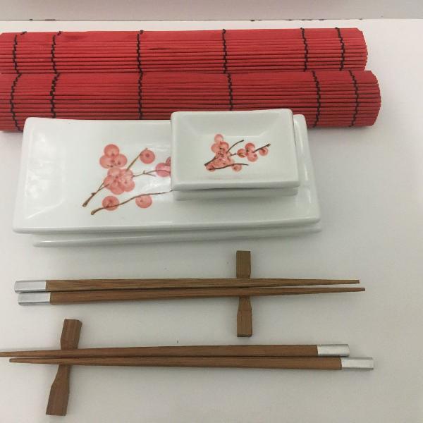Kit louças de porcelana japonesas pintadas p/ 2 pessoas