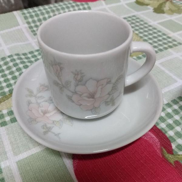 xícara floral