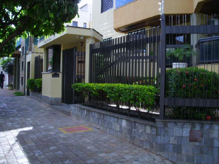 Apartamento para locação possui 95 metros quadrados com 3