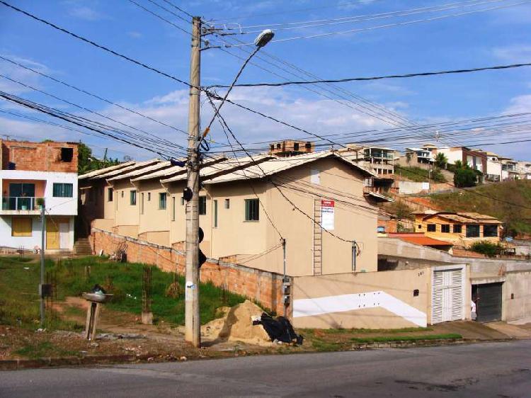 Casa duplex no bairro ponte alta em betim mg.