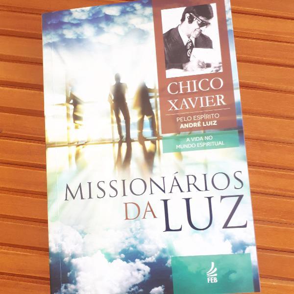 """Livro """"missionários da luz"""""""