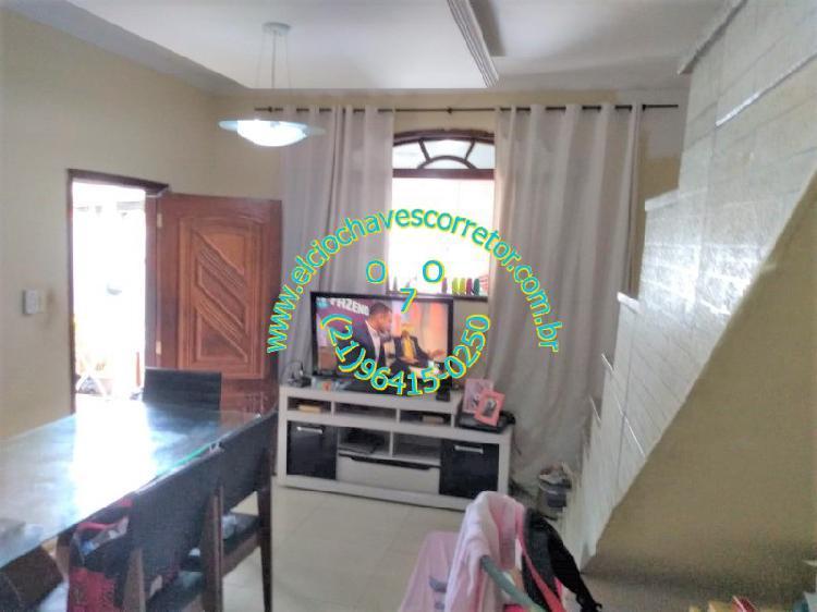 Locação de casa duplex 2 suítes, terraço coberto com