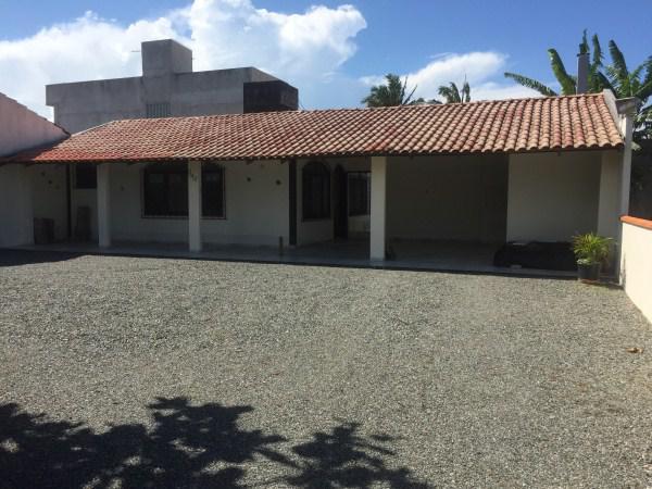 Vende ou troca casa em ubatuba 157m² por imóvel em