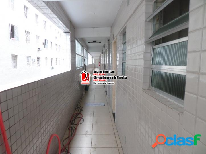 KITINETE PRÉDIO FRENTE PRAIA 28 mt2 JOSE MENINO SANTOS 2