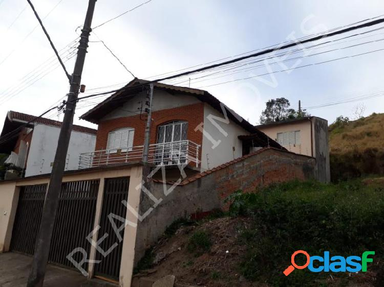 Casa com 3 dorms em Poços de Caldas - Bem Bastos por 450 mil à venda