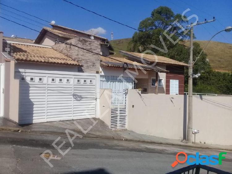 Casa com 3 dorms em Poços de Caldas - Parque Vivaldi Leite Ribeiro por 500 mil à venda