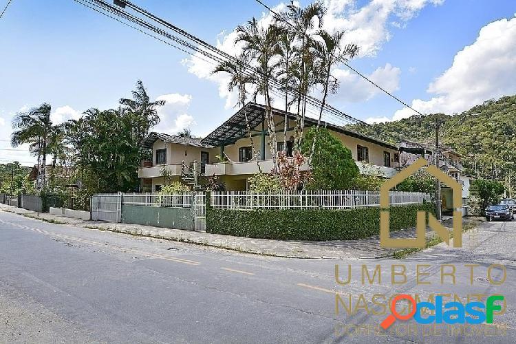 Casa com 5 quartos disponível para venda em blumenau