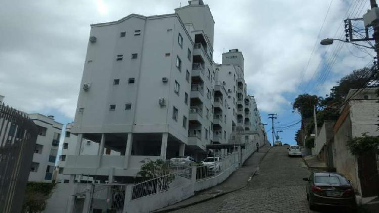 Apartamento, residencial; 2 dormitorios, 1 bwc
