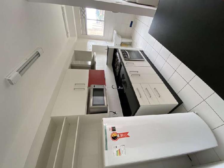 Apartamento para aluguel possui 58 metros quadrados com 2