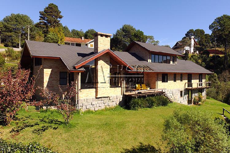Casa em condomínio com linda vista panorâmica!