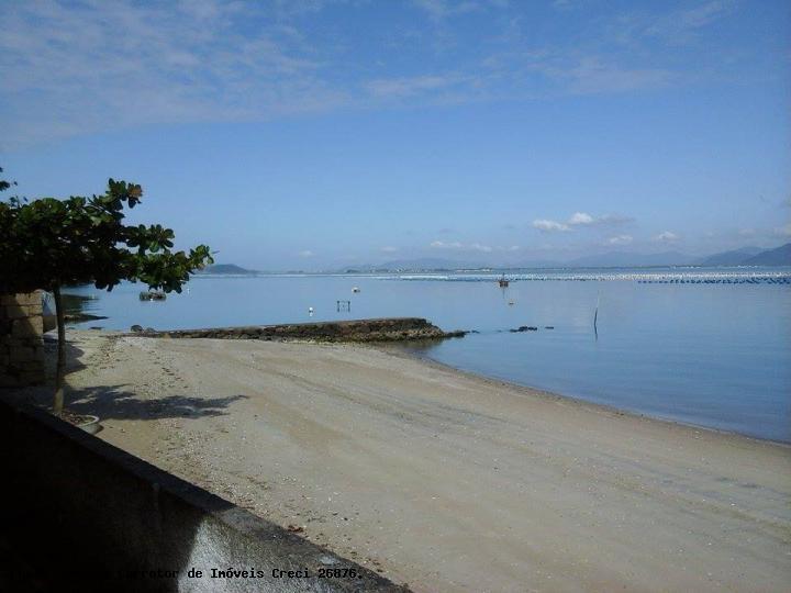 Casa na praia para venda em florianópolis, caieira da barra