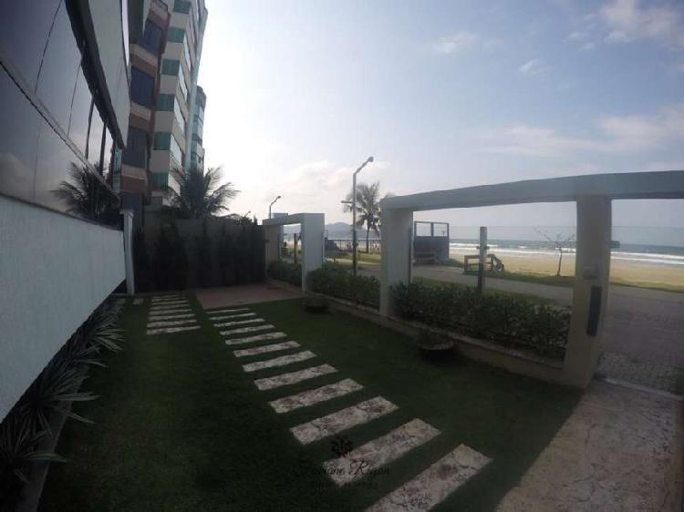 Prédio frente mar apto lateral 03 dormitórios