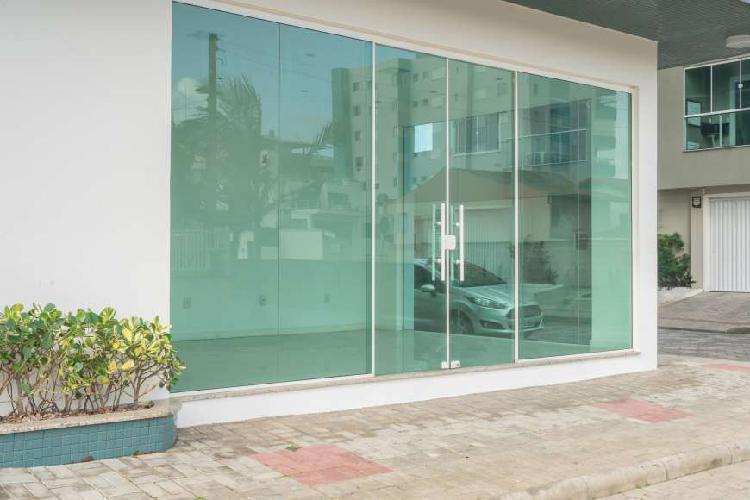 Sala comercial no edifício mirante da ilha