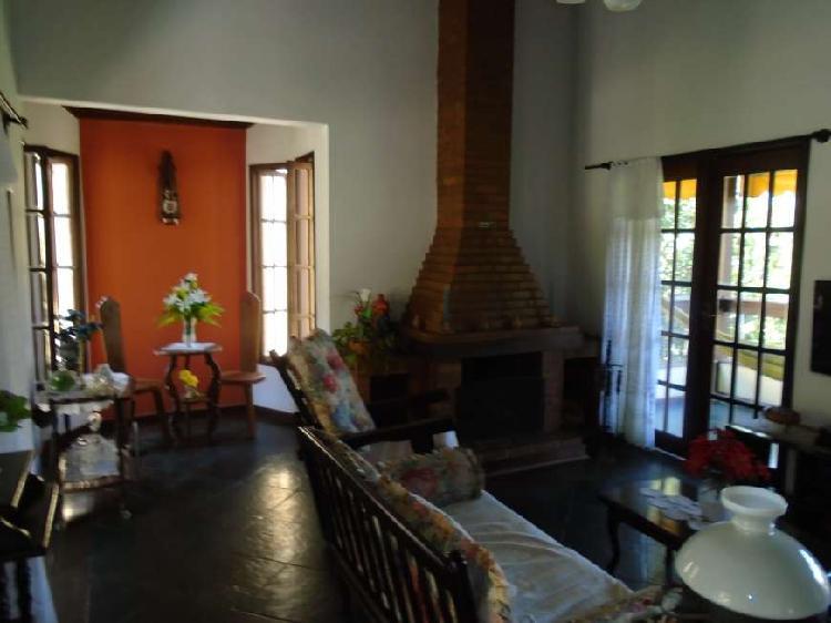 Tima casa triplex com 280 m², com 4 quartos, 1 suite, 2