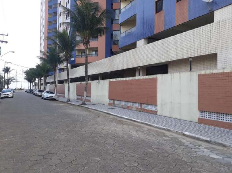 Apartamento 2 dormitorios predio frente para o mar