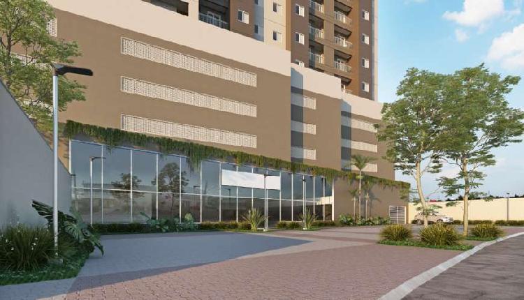 Apartamento 2 dormitórios com varanda e vaga! Use FGTS