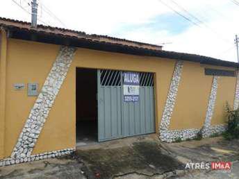Casa com 3 quartos para alugar no bairro vila novo