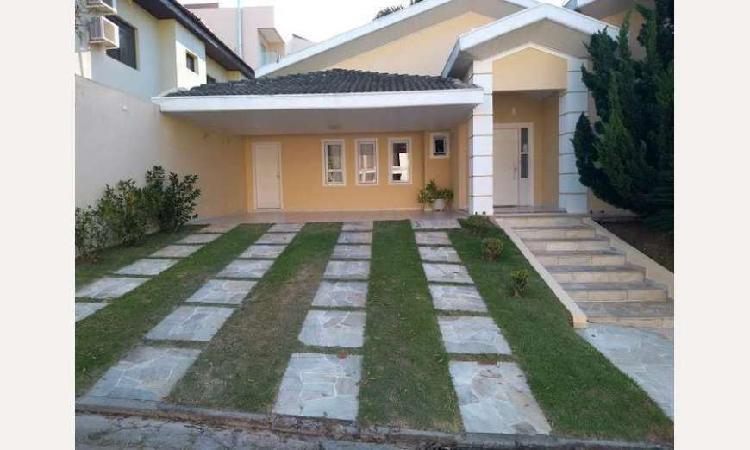 JACAREI - Casa de Condomínio - JD COLEGINHO