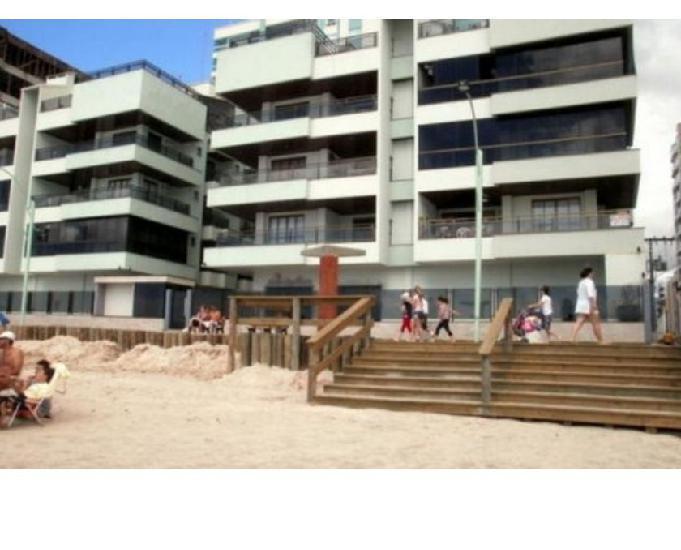Meia praia frente ao mar para 10 pessoas totalmente mobiliad