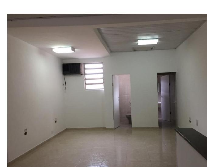 Alugo salão comercial na rua taquari - mooca -zona leste