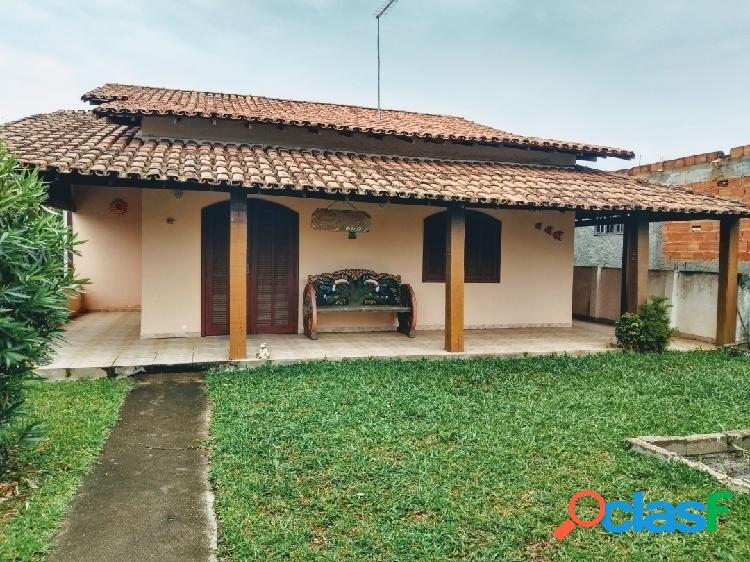 Ótima casa no centro de Praia Seca!