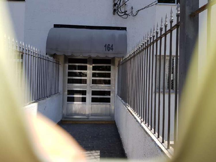 Apartamento a venda possui +- 70 m2 3 quartos Conjunto