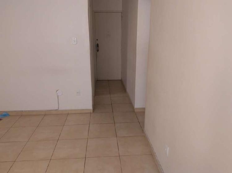 Apartamento para aluguel possui 52 metros quadrados com 2