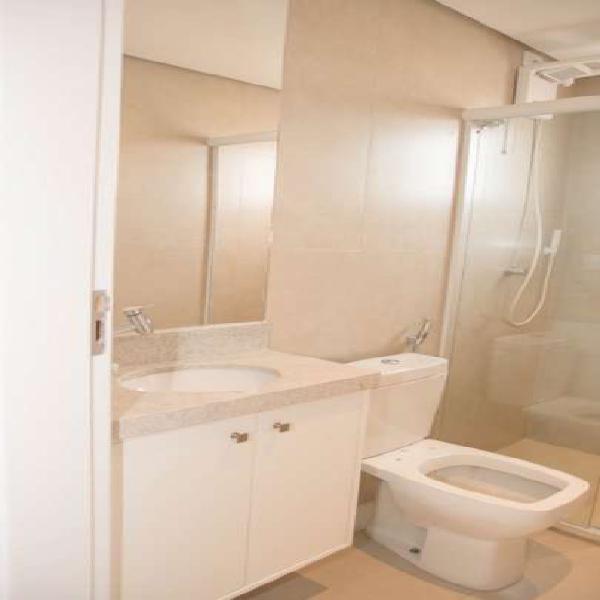 Apartamento para aluguel possui 65 metros quadrados com 2
