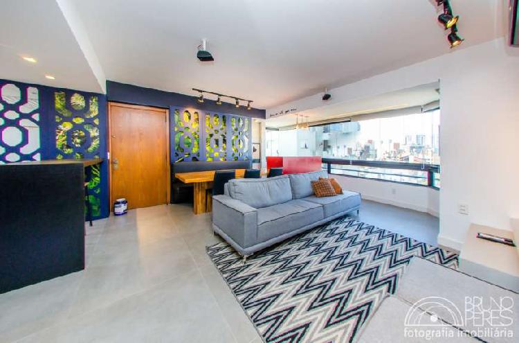 Apartamento semi mobiliado com 3 dormitórios,1 suíte na