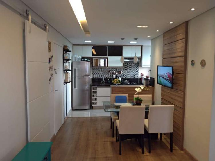 Apartamento à venda com 3 quartos, com planejados no parque