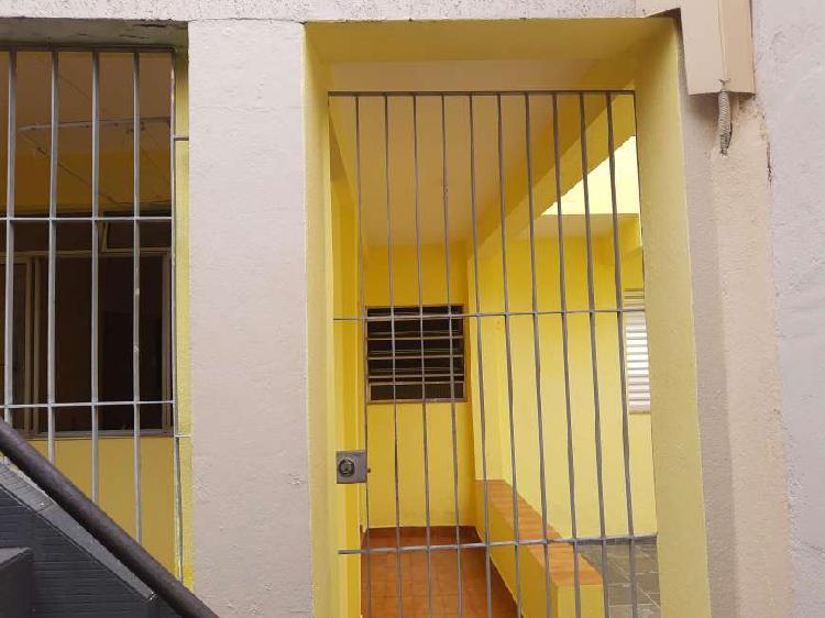 Casa 2 quartos, 1 suite em vila residencial - metrô são
