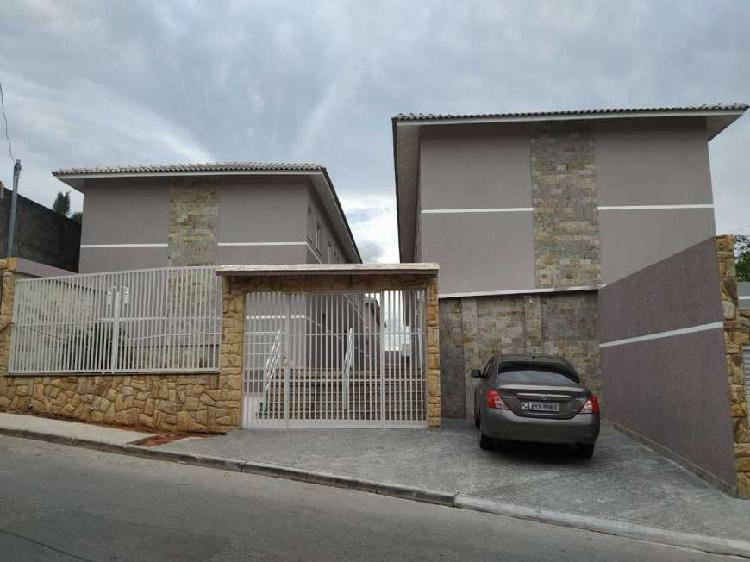 Casa de Condomínio para venda tem 60 metros quadrados e 2