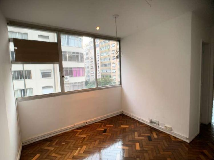 Sala em copacabana, prédio comercial, 3 ambientes, 1 wc,
