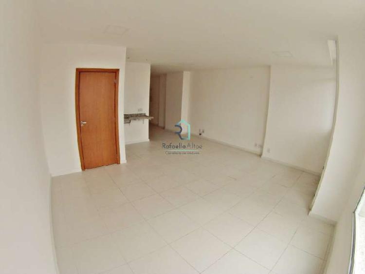 Sala para venda com 56 m², 2 banheiros, em frente Unimed,