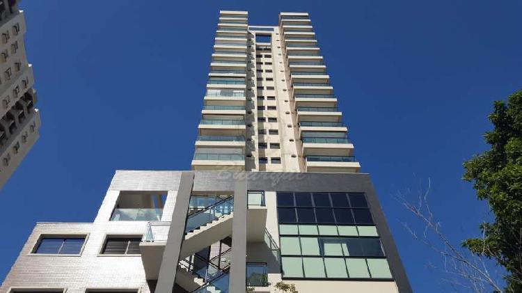 Apartamento para venda com 108 metros quadrados e 3 quartos