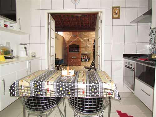 Casa dentro do hortô do ypê - próximo do shopping/metrô