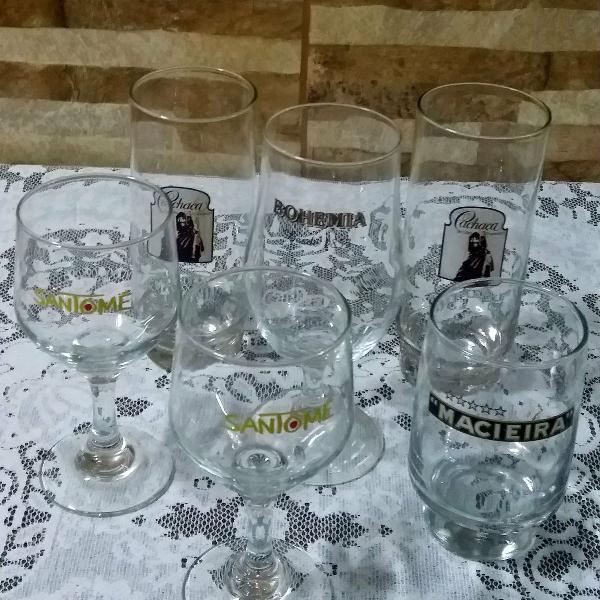 Jogo de taças e copos