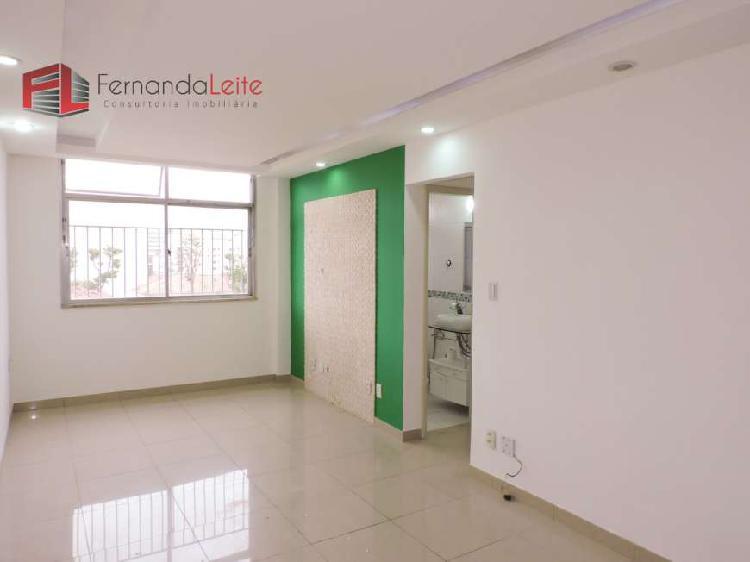 Apartamento no Méier 2 quartos e dependência completa