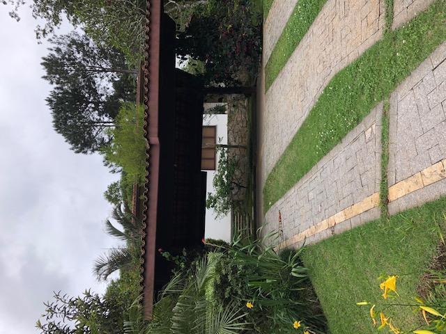 Casa de condomínio para venda com 460 metros quadrados com