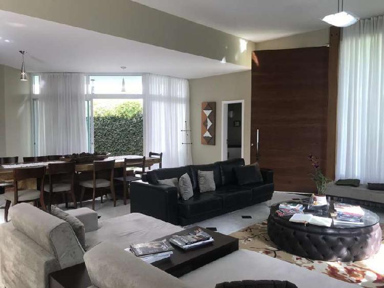 Casa totalmente linear, 3 suítes, à venda em alphaville -