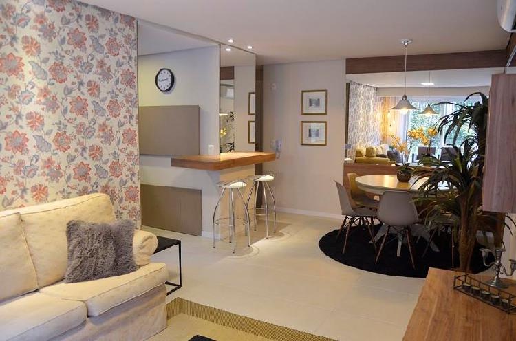 Apartamento 2 dormitórios mobiliado e decorado