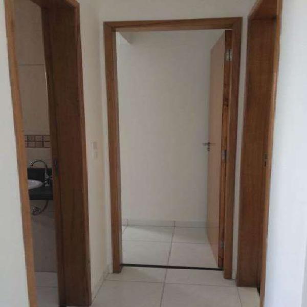 Apartamento novo, dois dormitorios