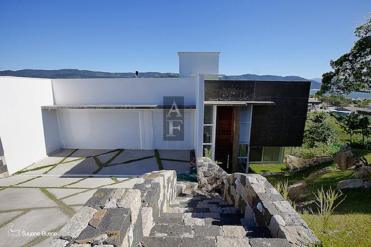 Casa alto padrão para venda em centro garopaba-sc - kv601