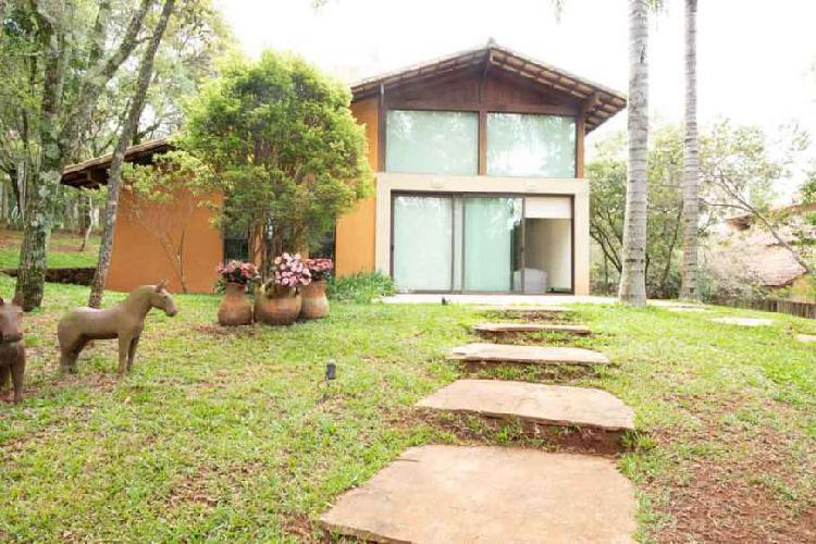 Casa no bosque da ribeira com 1 suíte, 1 escritório, sala