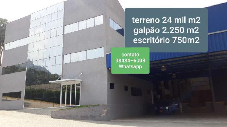 Imóvel comercial, c/ 24.000 m2 terreno, 2.250 m2 galpão e